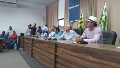 Presença de Caiado na cidade mobilizou lideranças políticas de praticamente todos os grupos locais (Foto: Euclides Oliveira)