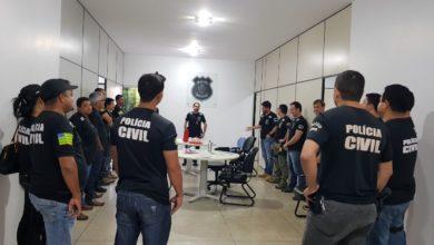 Policiais civis de toda a região participaram da operação em Uruaçu (Foto: Divulgação)