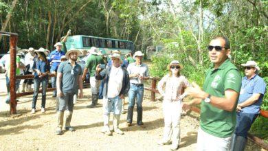 Giuliano (Legado) deu orientações para a caminhada na Trilha do Rio Traíras