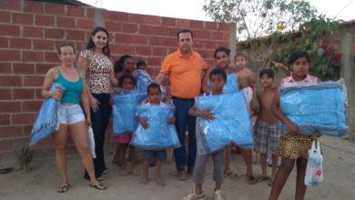 Mais de 400 famílias foram beneficiadas com os cobertores (Foto: Supercom)