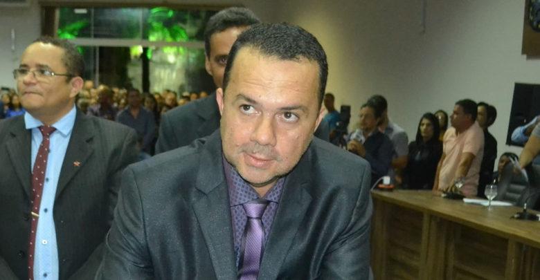 Fernando Carneiro: Planejamento para quitar folha administrativa (Foto: Euclides Oliveira)