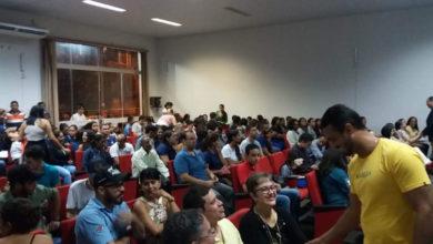 Populares lotaram o auditório para acompanhar a sessão